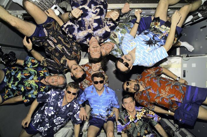 Гавайская вечеринка на МКС
